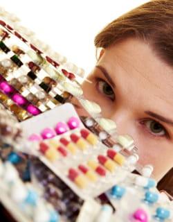 chaque français consomme près de 1600 doses de médicaments par an.