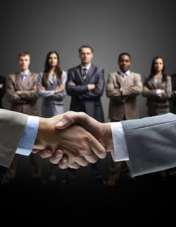 son rôle: entretenir et agrandir un cercle de généreux donateurs.