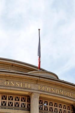 le règlement intérieur joue sur les textes de loi pour maximiser les salaires