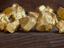 l'or, un grand classique pour les bijoux.