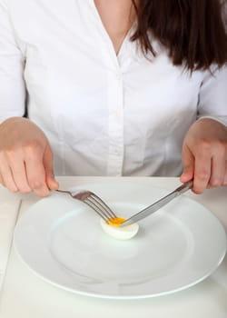 réduire son apport calorique de 30 à 50% aurait des effets significatifs sur