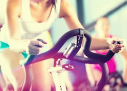faire du sport en groupe, pour se motiver.
