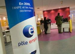 la france compte plus de 2,5 millions de chômeurs.