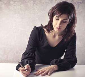 tripoter un stylo donne l'impression d'être ailleurs.