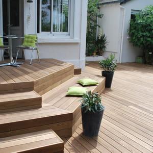 architecture du bois est spécialisée dans la construction de terrasse.