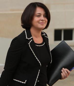 sylvia pinel, ministre de l'artisanat et du commerce.