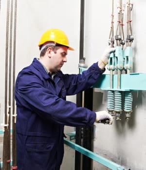 le facility manager gère les interventions liées à la maintenance d'un immeuble,