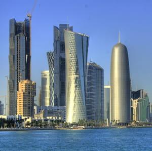 les gratte-ciel de doha.