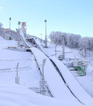le chantier du tremplin de saut à ski a vu son coût multiplié par plus de six,