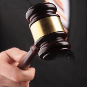 l'inspection générale des finances attribue aux commissaires-priseurs un revenu