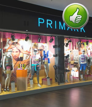 l'enseigne de mode primark propose des vêtements à prix cassés qui font fureur.