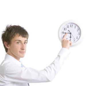 l'absentéisme et les retards, quand ils suivent une période de suractivité, sont