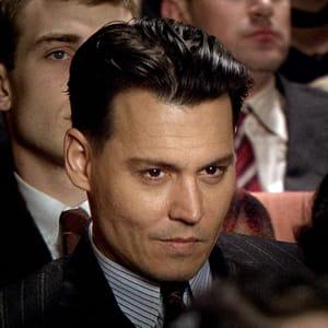 l'acteur johnny depp serait envisagé pour jouer michael jackson.