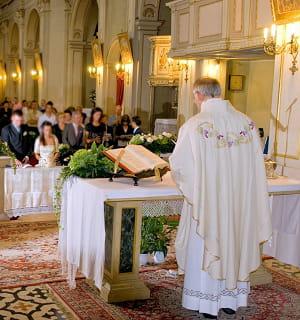 un prêtre catholique.