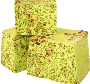 le savon loukoum de lush est vendu à la coupe, pour 5,25euros les 100grammes.