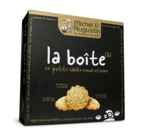 la boîte de michel & augustin contient 54 petits sablés avec trois goûts