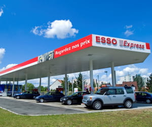 le prix du gazole dans les stations esso a baissé de 3,08% en 2009.