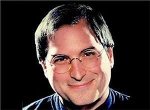 steve jobs est le co-fondateur d'apple avec steve wozniak
