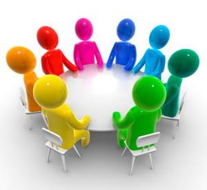 en organisant des tables rondes, vous favoriserez l'échange et l'implication des