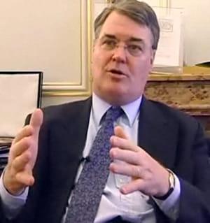 jean-paul delevoye était médiateur de la république depuis 2004.