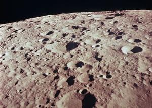 le sol lunaire contiendrait une énorme quantité d'hélium 3.