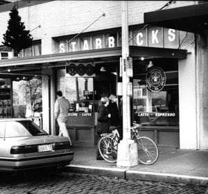 le premier starbucks, à pike place market, à seattle.