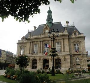 l'hôtel de ville de levallois-perret.