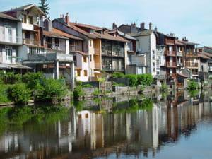 une vue de la ville d'aurillac, dans le cantal