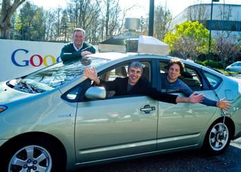 eric schmidt, larry page etsergey brin dans une 'google car' en janvier 2011.