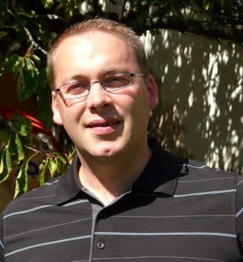 titulaire d'un masters en sciences informatiques à l'université de paris sud,