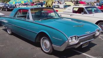 avant de se rendre en californie, larry ellison achète une ford thunderbird
