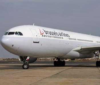 un avion de brussels airlines.
