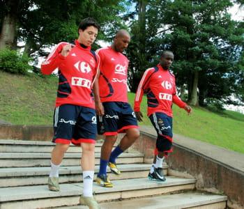 les joueurs de l'équipe de france samir nasri, nicolas anelka et lassana diarra.