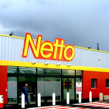404562-derriere-netto-se-cache-les-mousq