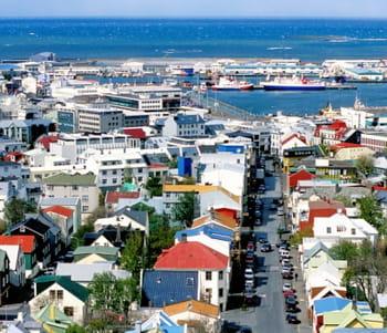 une vue de reykjavik.