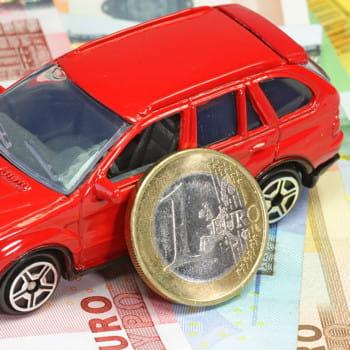 les français comptent faire des économies sur leurs dépenses automobiles.