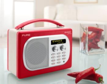 la radio 'evoke mio'.