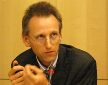 giles hogben est expert, network security policy, à l'enisa.