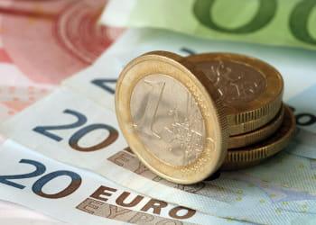 le paiement dématérialisé tend à remplacer les transactions en espèces.