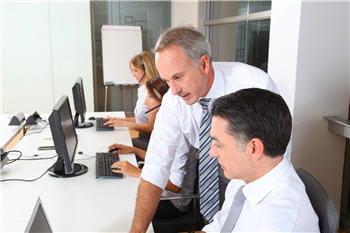 le siège du cabinetpwc est basé à new york, mais dispose de nombreux bureaux en