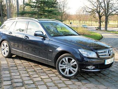 les voitures de luxe sont généralement épargnées par les crises.
