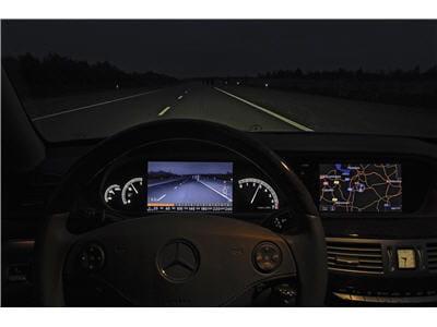 système permettant de voir au-delà des feux du véhicule