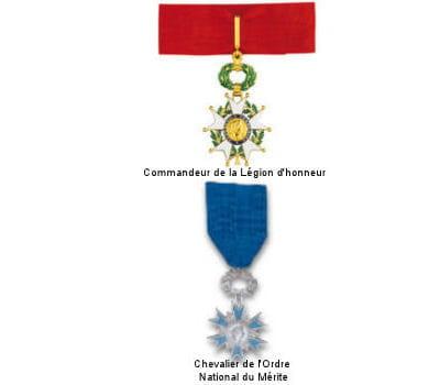 bernard arnault porte moins de médailles que certains de ses confrères.