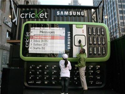 un téléphone difficile à mettre en poche.