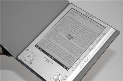 le reader peut contenir jusquà 160 livres.