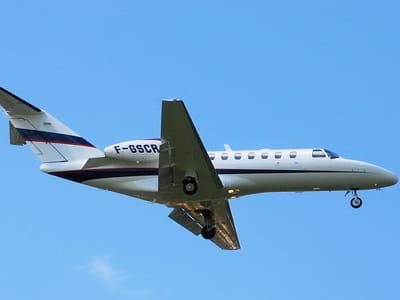 le cessna 525b de l'assureur scor décolle de l'aéroport de toulouse-blagnac.