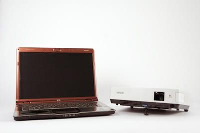 pc portable et vidéoprojecteur