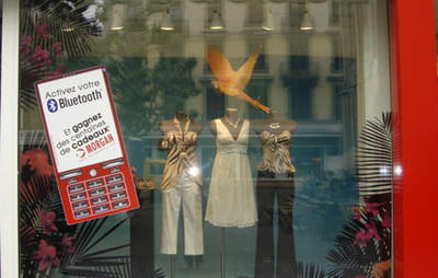vitrine de la boutique morgan rue de la fusterie, à genève, du 29 mai au 18 juin