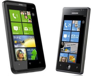 le htc hd7 et le samsung omnia 7, deux des premiers windows phone, disponibles