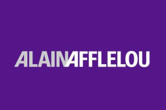 Alain Afflelou ne croit pas à l'e-commerce de lunettes